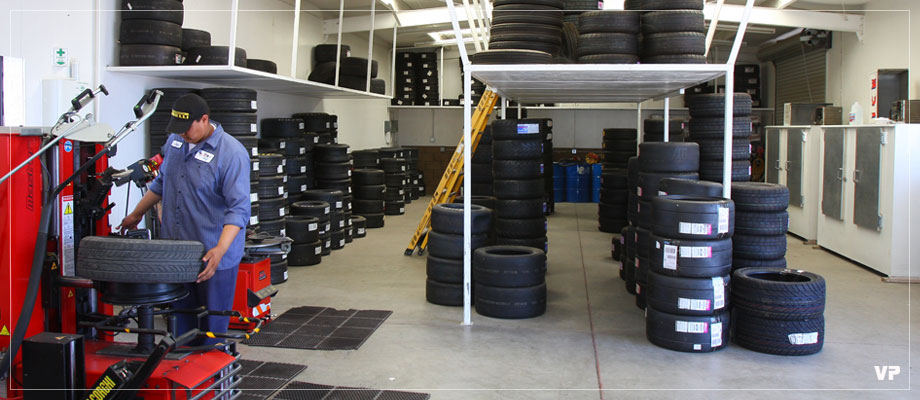 header-tire-center